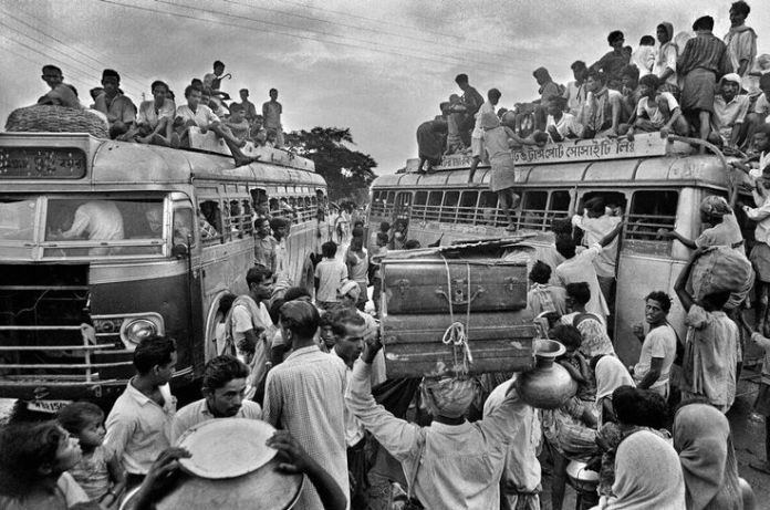Refugees from Bangladesh leaving for India Source: muktijoddha.org